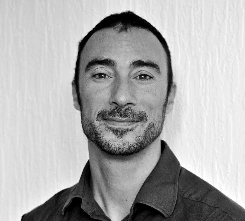 Dr Diego Devanna - Dentist